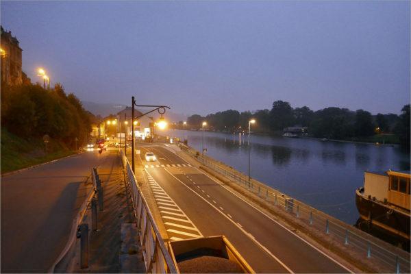 De Maas bij Namur, fietsen naar Parijs