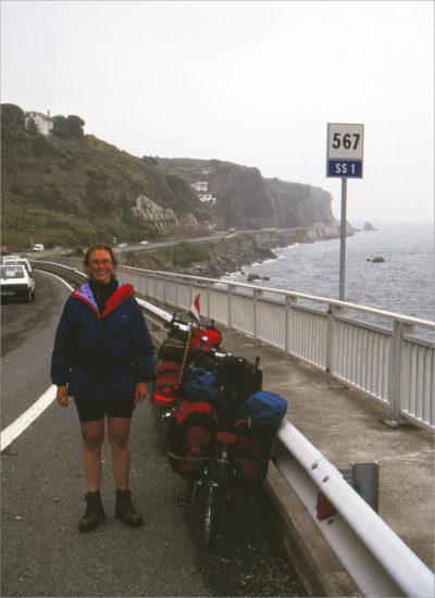 De Ligurische Zeekust, op weg naar Savona.