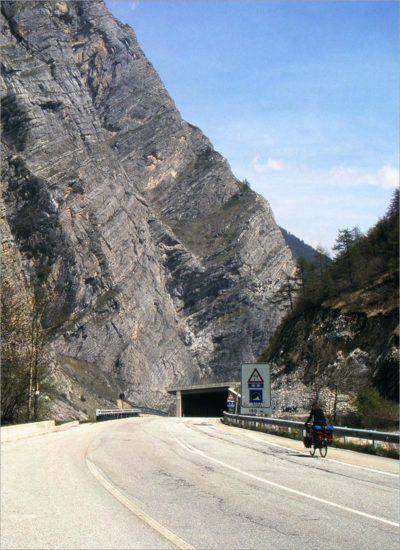 Tunnel op de SS21.