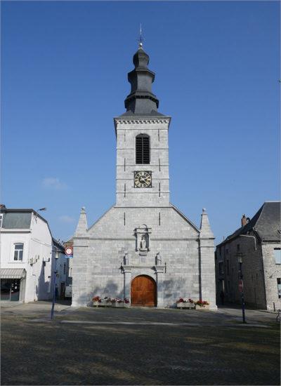 Sainte Marie-Madeleinekerk, Mariembourg, fietsen naar Parijs