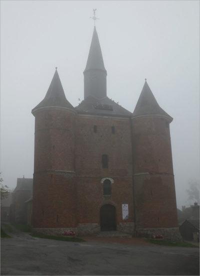 Kerk van Plomion, fietsen naar Parijs