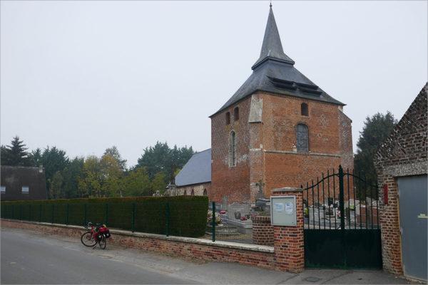 Vestingkerk van Rogny, fietsen naar Parijs