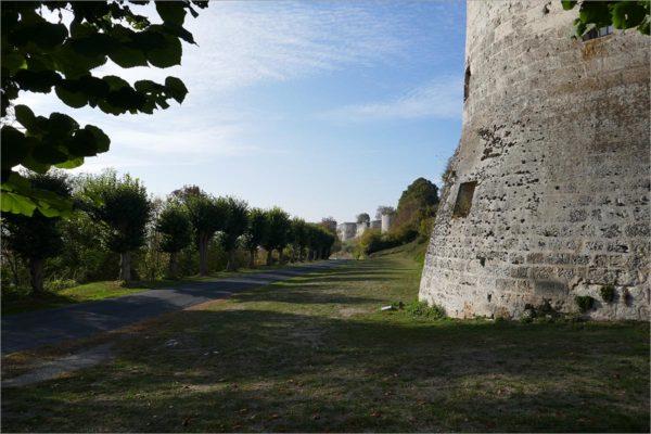 Het kasteel van Coucy, fietsen naar Parijs