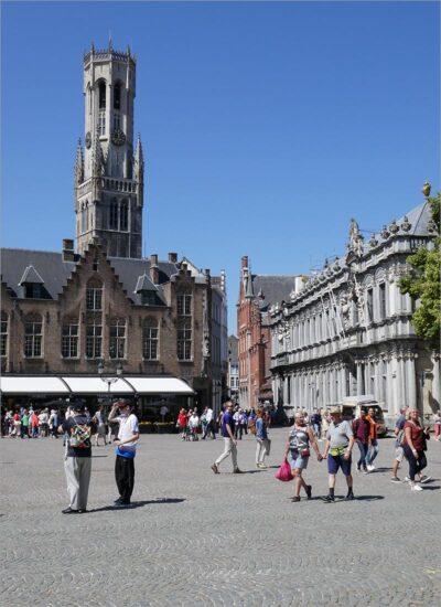 Het Brugse belfort, fietsen in Vlaanderen