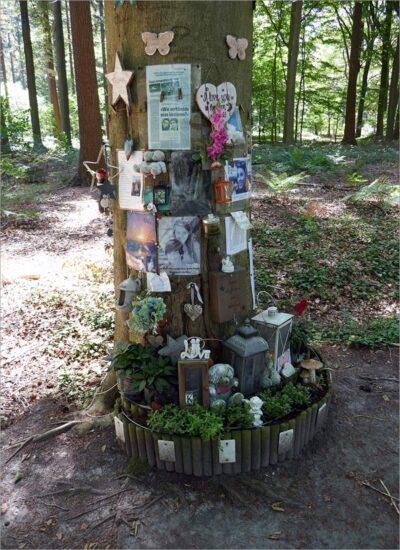 Monument voor twee omgekomen motorrijders, Sint-Andries